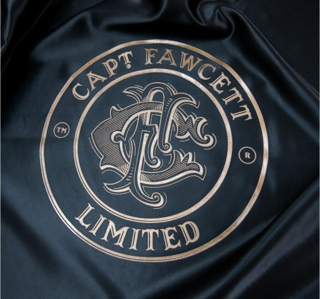 Luxuriöser Friseurregenmantel Captain Fawcett 4